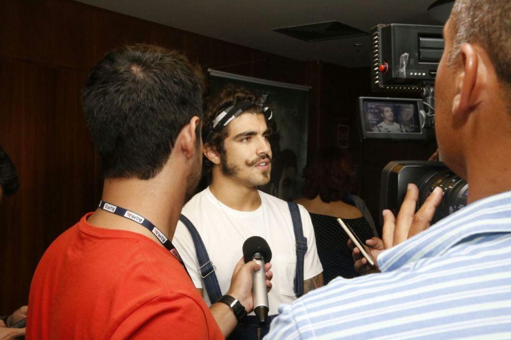 Caio Castro na coletiva de imprensa foto Quelli