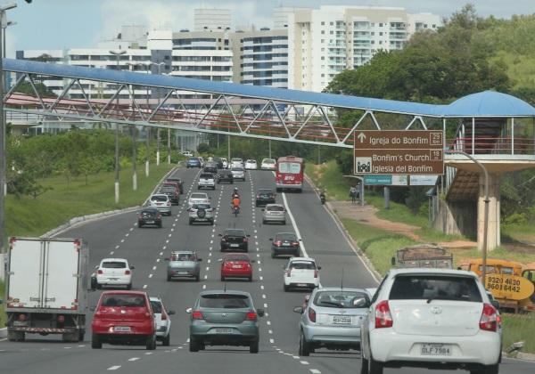 movimentacao-avenida-paralela-foto-manu-dias-govba