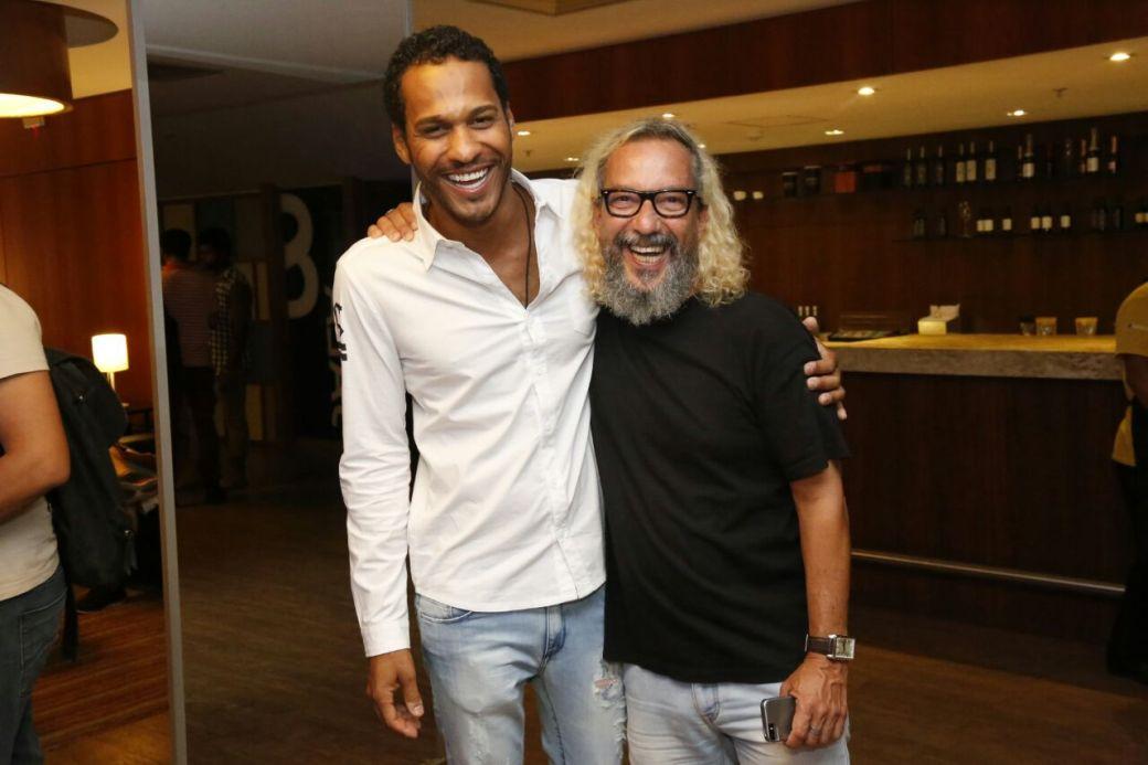 Os atores Amaurih Oliveira e Caco Monteiro Foto Quelli
