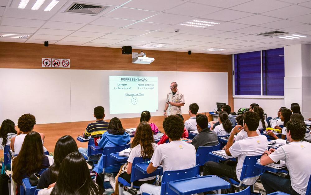 Sala de aula (1) - Lousa interativa