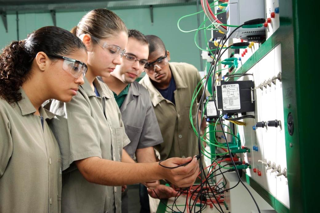 curso técnico pode acelerar a entrada no mercado de trabalho